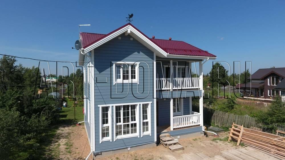 """Каркасный дом 8х9 """"венециЯ"""": двухэтажный с балконом и террас."""